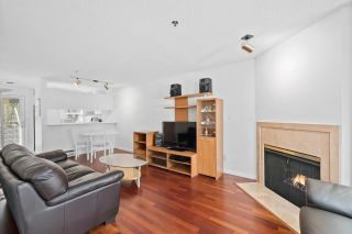 """Photo 3: 930 W 14TH Avenue in Vancouver: Fairview VW Townhouse for sale in """"Fairview Court"""" (Vancouver West)  : MLS®# R2574639"""
