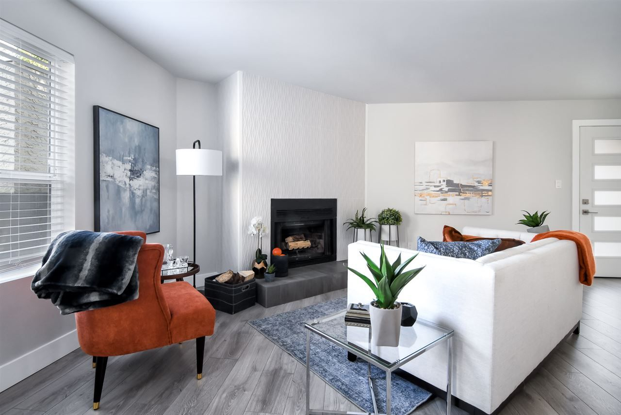 """Main Photo: 4 15989 MARINE Drive: White Rock Townhouse for sale in """"MARINER ESTATES"""" (South Surrey White Rock)  : MLS®# R2370624"""