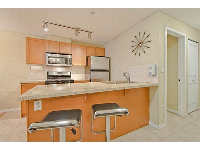Photo 5: Photos: # 209 2636 E HASTINGS ST in Vancouver: Renfrew VE Condo for sale (Vancouver East)  : MLS®# V1039275
