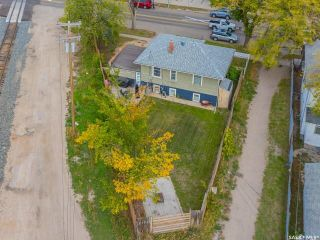 Photo 2: 133 H Avenue South in Saskatoon: Riversdale Residential for sale : MLS®# SK867409