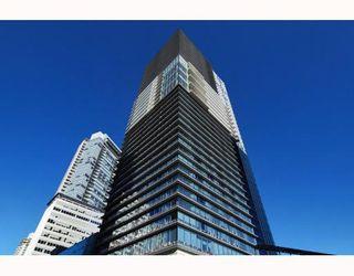 "Photo 1: 2906 1011 W CORDOVA Street in Vancouver: Coal Harbour Condo for sale in ""Fairmont Pacific Rim"" (Vancouver West)  : MLS®# V811000"