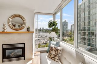 """Photo 4: 805 1077 MARINASIDE Crescent in Vancouver: Yaletown Condo for sale in """"MARINASIDE RESORT RESIDENCES"""" (Vancouver West)  : MLS®# R2582229"""