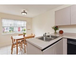 Photo 4: 8 888 W 16TH Street in North Vancouver: Hamilton Townhouse for sale : MLS®# V973821