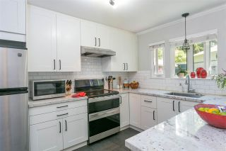 """Photo 2: 2657 FROMME Road in North Vancouver: Lynn Valley Townhouse for sale in """"CEDAR WYND"""" : MLS®# R2475471"""