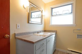 Photo 6: 1711 Fitzgerald Ave in : CV Courtenay City House for sale (Comox Valley)  : MLS®# 873298