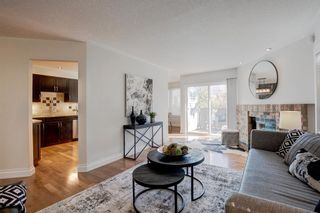 Photo 5: 212 Coachway Lane SW in Calgary: Coach Hill Row/Townhouse for sale : MLS®# A1153091
