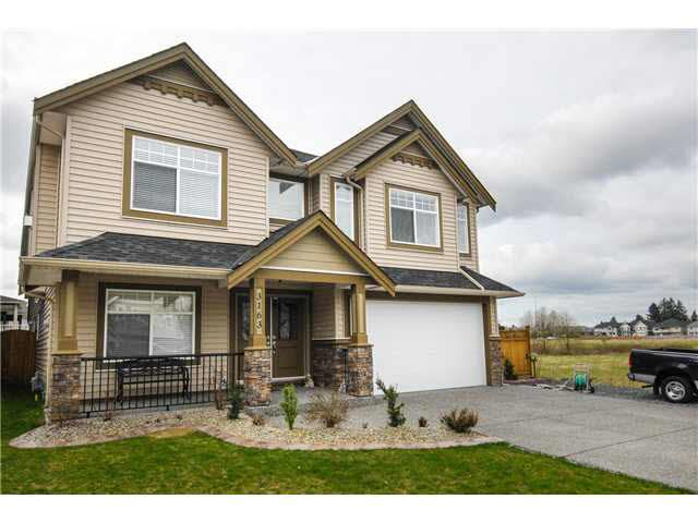 Main Photo: 3163 ENGINEER COURT in : Aberdeen House for sale : MLS®# F1417460