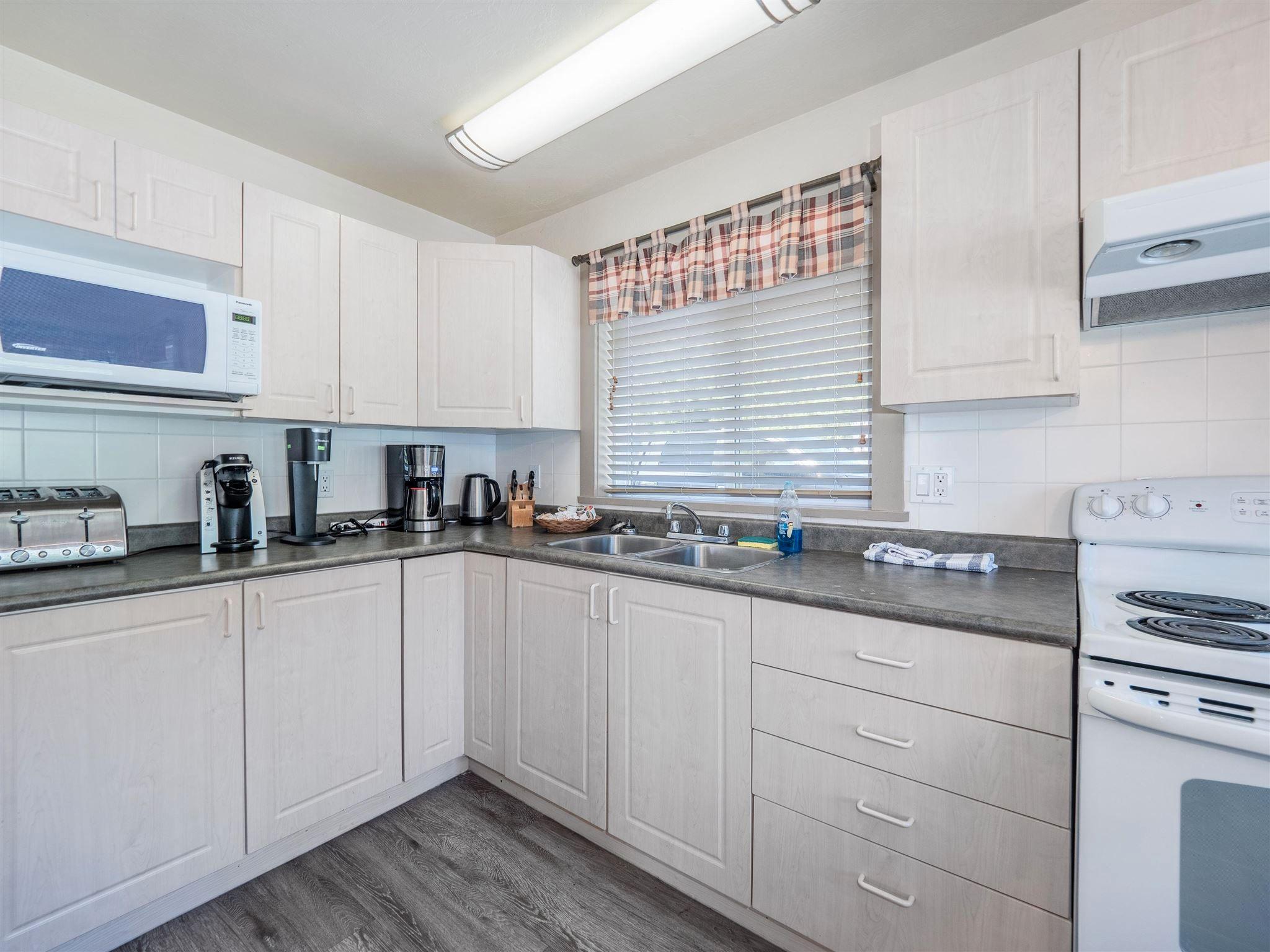 Photo 23: Photos: 6781 BATHGATE Road in Egmont: Pender Harbour Egmont House for sale (Sunshine Coast)  : MLS®# R2593981