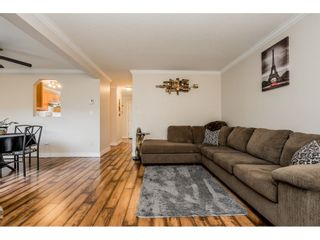 """Photo 4: 241 27411 28 Avenue in Langley: Aldergrove Langley Townhouse for sale in """"Alderview"""" : MLS®# R2355087"""
