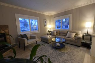 """Photo 5: 928 FINLAY Street: White Rock House for sale in """"Eastbeach"""" (South Surrey White Rock)  : MLS®# R2556381"""