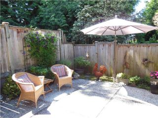 """Photo 8: 2331 MOUNTAIN Highway in North Vancouver: Lynn Valley Townhouse for sale in """"Yorkwood Park"""" : MLS®# V1015049"""