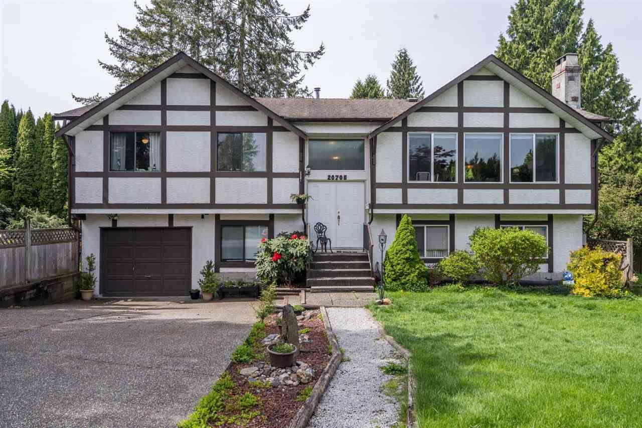 Main Photo: 20705 47A Avenue in Langley: Langley City House for sale : MLS®# R2574579