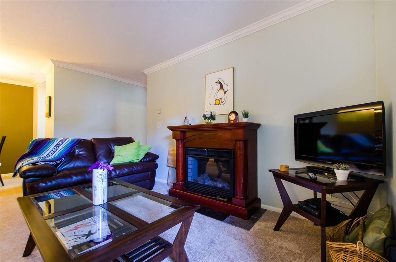 "Photo 3: Photos: 216 2239 152 Street in Surrey: Sunnyside Park Surrey Condo for sale in ""Semiahmoo Estates"" (South Surrey White Rock)  : MLS®# R2163990"