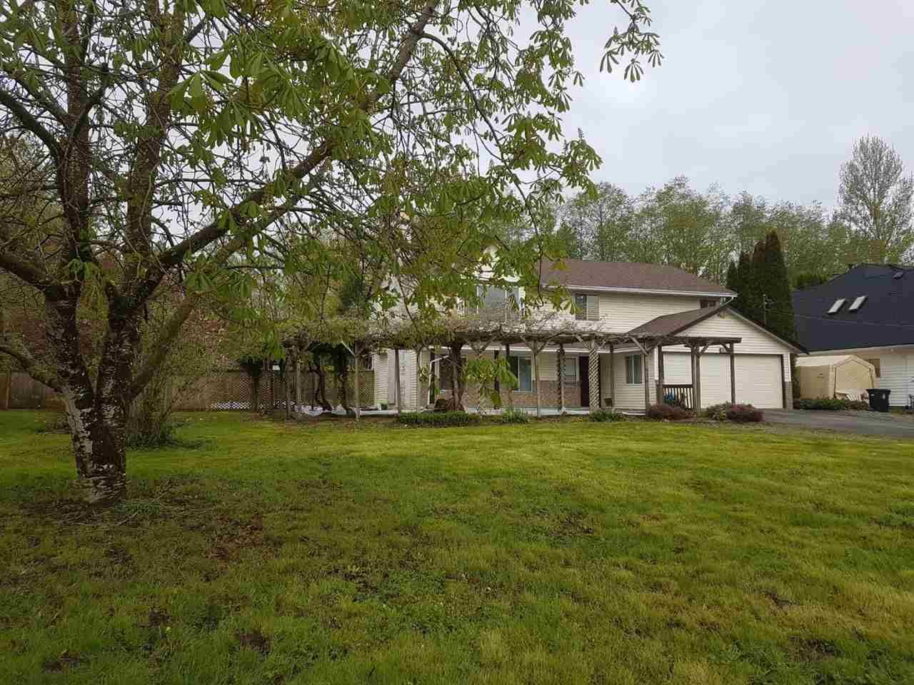 Main Photo: 6915 208 Street in Langley: Willoughby Heights House for sale : MLS®# R2447982