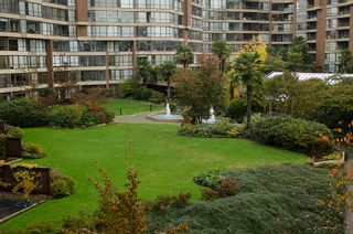 "Photo 30: 202 1490 PENNYFARTHING Drive in Vancouver: False Creek Condo for sale in ""HARBOUR COVE"" (Vancouver West)  : MLS®# V977927"