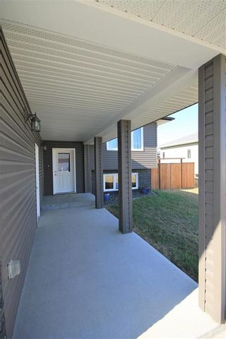 Photo 3: 698 Papillon Drive in St Adolphe: R07 Residential for sale : MLS®# 202109451