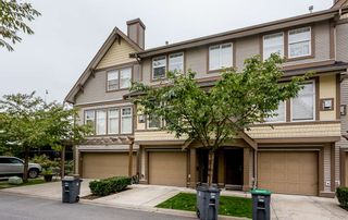 """Photo 1: 9 6588 188TH Street in Surrey: Cloverdale BC Townhouse for sale in """"Hillcrest"""" (Cloverdale)  : MLS®# R2538977"""
