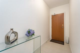 Photo 3: 504 110 BREW STREET in Port Moody: Port Moody Centre Condo for sale : MLS®# R2188694