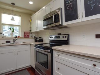 Photo 4: 108 170 CENTENNIAL DRIVE in COURTENAY: CV Courtenay East Row/Townhouse for sale (Comox Valley)  : MLS®# 820333