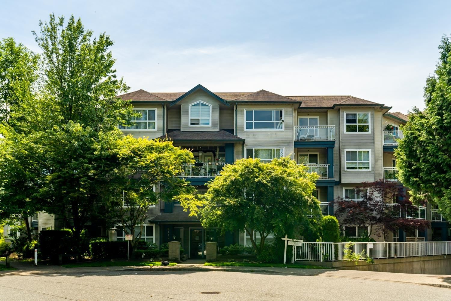 """Main Photo: 214 8115 121A Street in Surrey: Queen Mary Park Surrey Condo for sale in """"The Crossing"""" : MLS®# R2594503"""