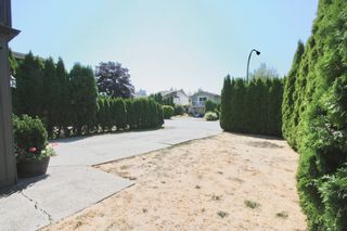 Photo 4: 1820 Keys Place in Abbotsford: Central Abbotsford House for sale : MLS®# R2606197