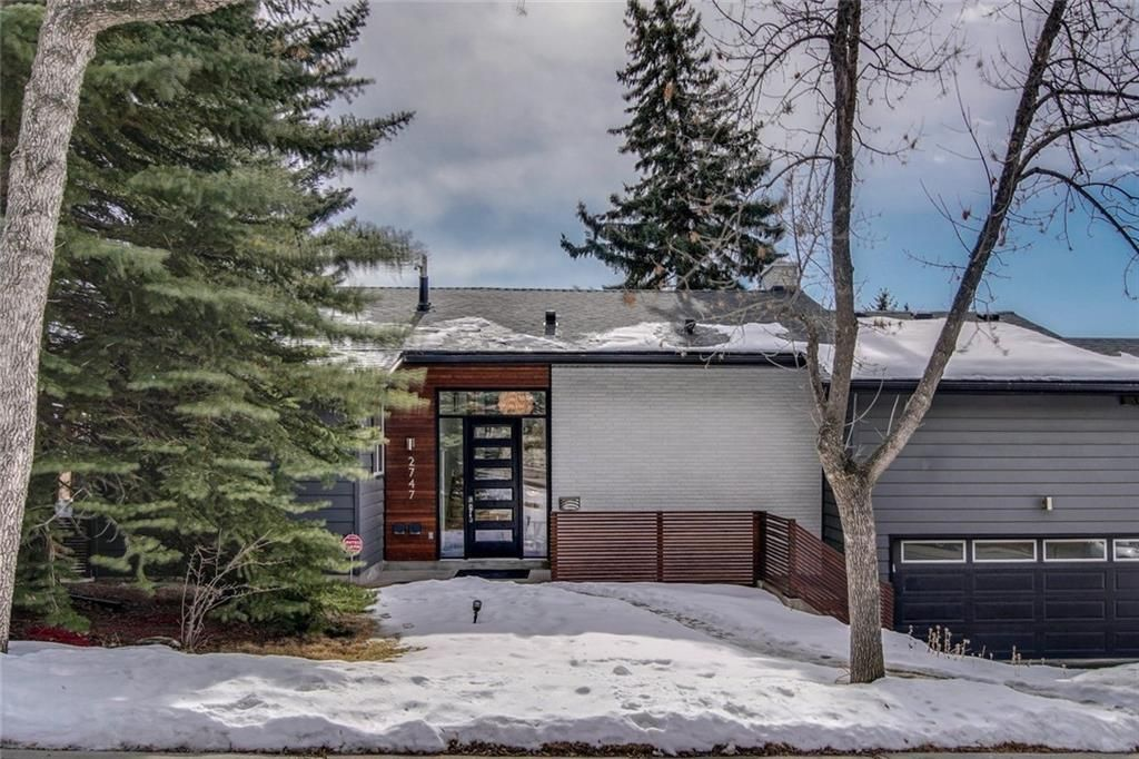 Located in desirable upper Charleswood this property offers a refreshing floor plan and stunning architectural detail.