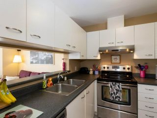 """Photo 9: 202 2355 W BROADWAY in Vancouver: Kitsilano Condo for sale in """"CONNAUGHT PARK PLACE"""" (Vancouver West)  : MLS®# R2464829"""