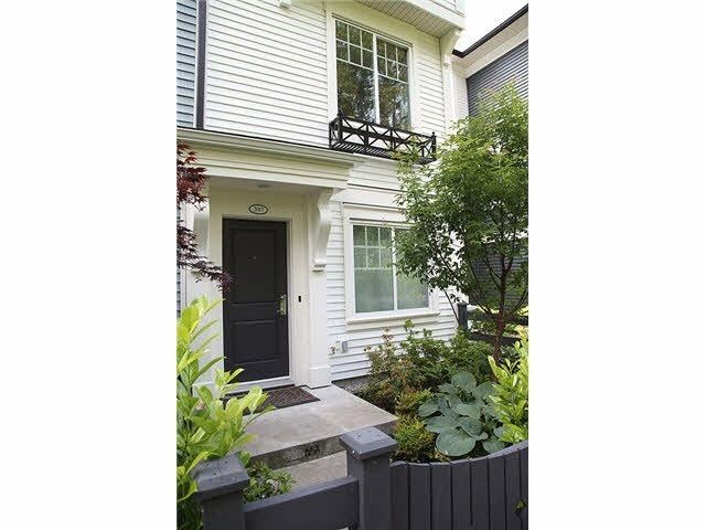 Main Photo: 2017 2655 BEDFORD STREET in Central Pt Coquitlam: Home for sale : MLS®# R2077603