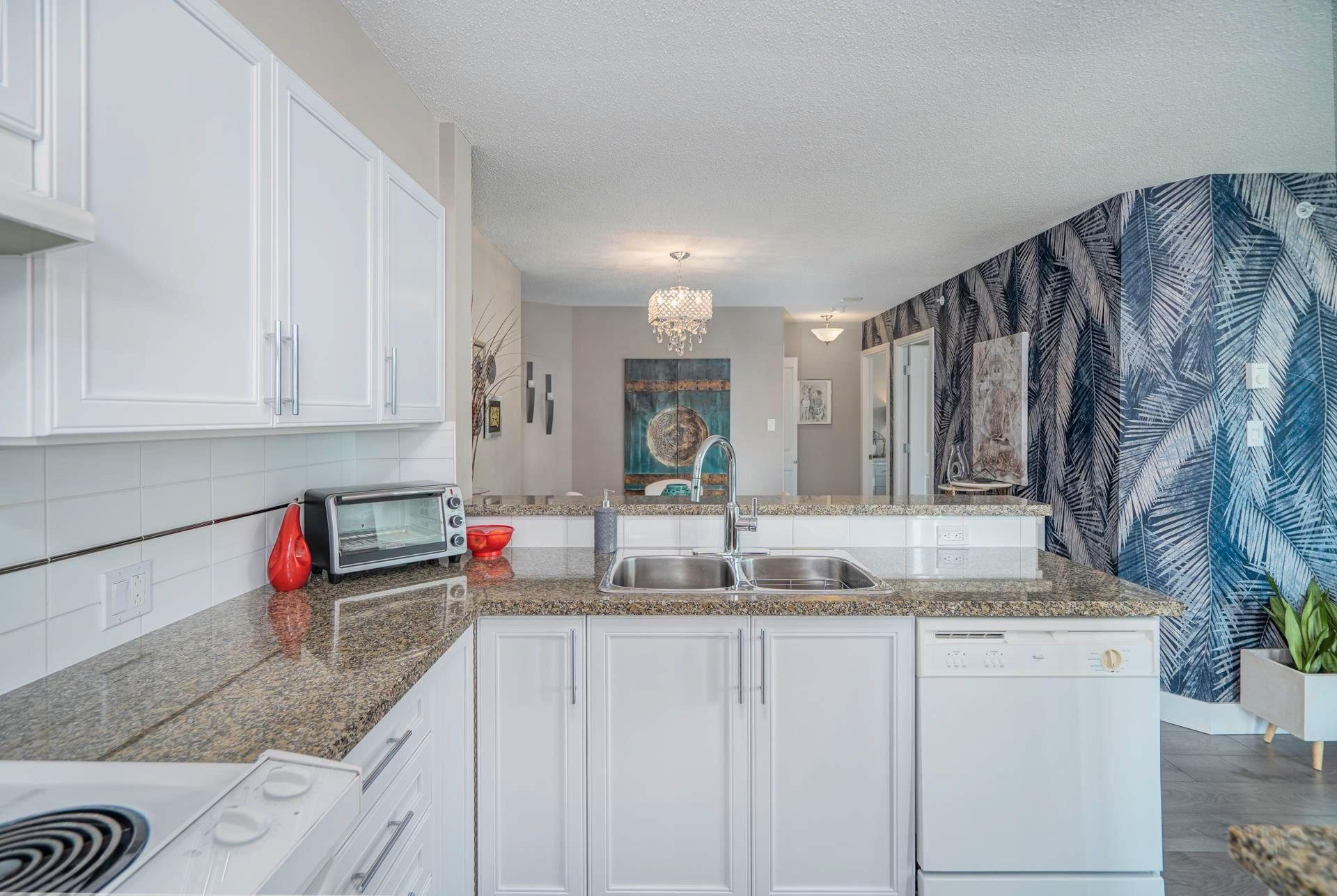 "Photo 12: Photos: 704 4388 BUCHANAN Street in Burnaby: Brentwood Park Condo for sale in ""Buchanan West"" (Burnaby North)  : MLS®# R2607208"