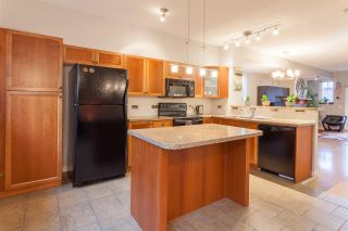 "Photo 8: 159 2000 PANORAMA Drive in Port Moody: Heritage Woods PM Townhouse for sale in ""MOUNTAIN EDGE"" : MLS®# R2222526"