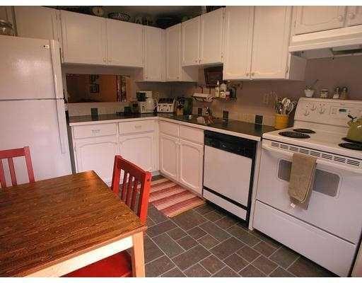 Photo 6: Photos: 35 3190 TAHSIS AV in Coquitlam: New Horizons Townhouse for sale : MLS®# V583316