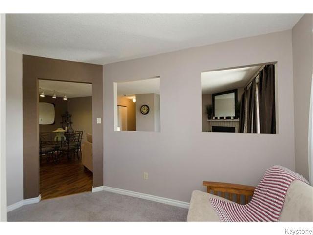 Photo 7: Photos: 481 Thompson Drive in WINNIPEG: St James Condominium for sale (West Winnipeg)  : MLS®# 1600654