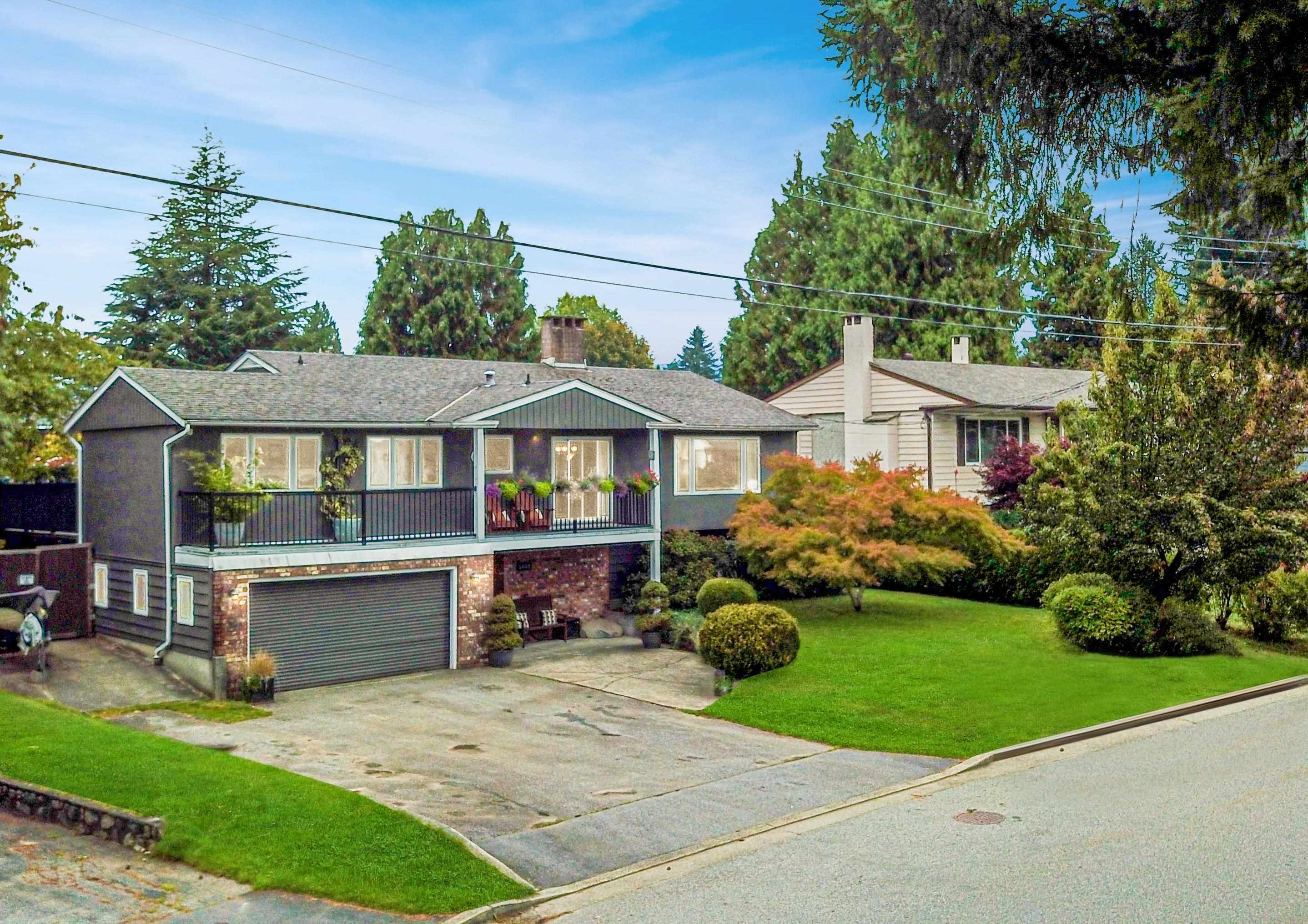 Main Photo: 1440 CLAUDIA Place in Port Coquitlam: Mary Hill House for sale : MLS®# R2625730