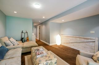 """Photo 22: 850 PARKER Street: White Rock House for sale in """"EAST BEACH"""" (South Surrey White Rock)  : MLS®# R2587340"""