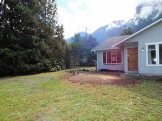 Photo 6: 65416 SKYLARK Drive in Hope: Hope Kawkawa Lake House for sale : MLS®# R2625805