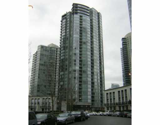 """Main Photo: 1495 RICHARDS Street in Vancouver: False Creek North Condo for sale in """"AZURA II"""" (Vancouver West)  : MLS®# V634083"""