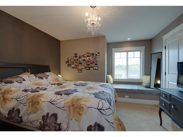 """Photo 13: Photos: 16418 11A Avenue in Surrey: King George Corridor House for sale in """"SOUTH MERIDIAN"""" (South Surrey White Rock)  : MLS®# F1312096"""