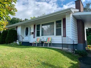 Photo 1: 32 James Street in Kentville: 404-Kings County Residential for sale (Annapolis Valley)  : MLS®# 202124094