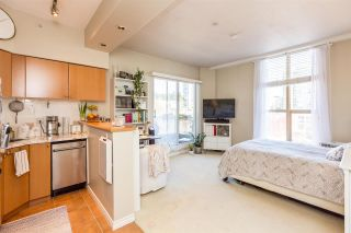 """Photo 5: 1105 680 CLARKSON Street in New Westminster: Downtown NW Condo for sale in """"THE CLARKSON"""" : MLS®# R2409786"""