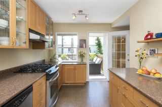 """Photo 5: 66 E 42ND Avenue in Vancouver: Main House for sale in """"WEST OF MAIN"""" (Vancouver East)  : MLS®# R2588399"""