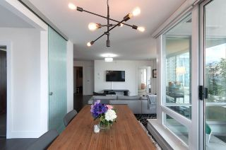 Photo 5: 704 535 SMITHE STREET in Vancouver: Downtown VW Condo for sale (Vancouver West)  : MLS®# R2048097