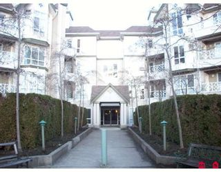 """Photo 1: 115 9979 140TH Street in Surrey: Whalley Condo for sale in """"Sherwood Green"""" (North Surrey)  : MLS®# F2902770"""