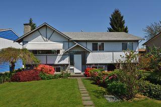 """Photo 1: 7108 E BREWSTER Drive in Delta: Sunshine Hills Woods House for sale in """"SUNSHINE HILLS"""" (N. Delta)  : MLS®# F1311010"""