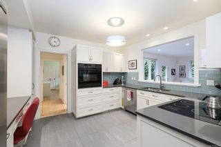 Photo 6: 1908 Beaufort Ave in : CV Comox (Town of) House for sale (Comox Valley)  : MLS®# 856594