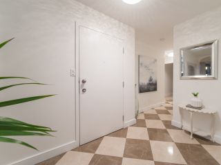 """Photo 2: 801 1935 HARO Street in Vancouver: West End VW Condo for sale in """"Sundial"""" (Vancouver West)  : MLS®# R2559149"""
