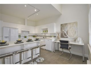 Photo 4: 302 825 W 15TH AVENUE in : Fairview VW Condo for sale (Vancouver West)  : MLS®# V1057592