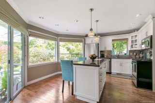 """Photo 2: 12379 SOUTHPARK Crescent in Surrey: Panorama Ridge House for sale in """"Boundary Park"""" : MLS®# R2306272"""