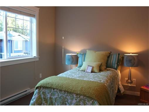 Photo 14: Photos: 3354 Langrish Mews in VICTORIA: La Walfred House for sale (Langford)  : MLS®# 748509
