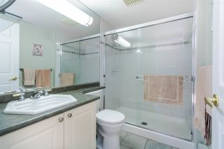 "Photo 18: 305 15325 17 Avenue in Surrey: King George Corridor Condo for sale in ""Berkshire"" (South Surrey White Rock)  : MLS®# R2450143"