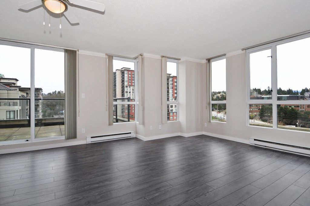 """Photo 2: Photos: PH3 828 AGNES Street in New Westminster: Downtown NW Condo for sale in """"WESTMINSTER TOWERS"""" : MLS®# R2153031"""